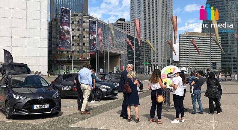 Exposition de véhicules et Street marketing à La Défense